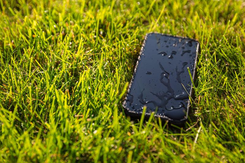 smartfon w podróży